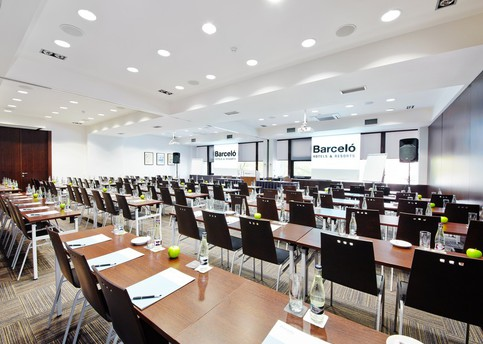 Main 8 meeting room 1 hotel barcelo praha25 142395