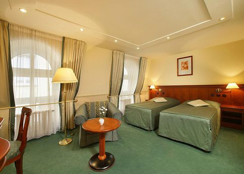 Main adria twin room