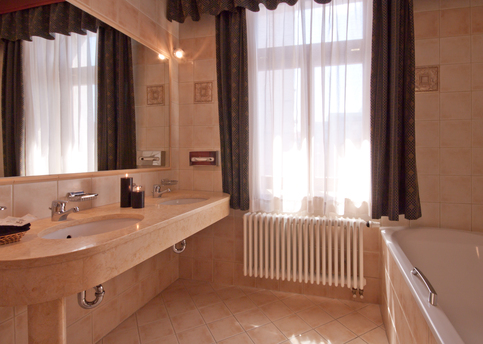 Main carlton bathroom1