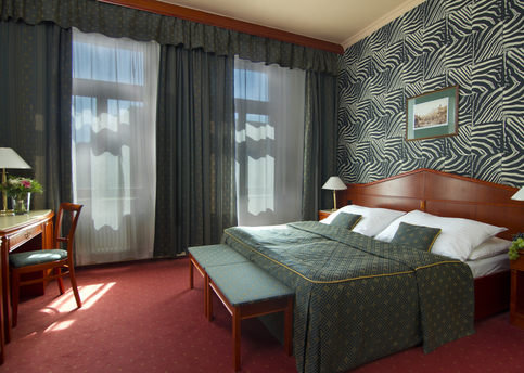 Main carlton double room 01