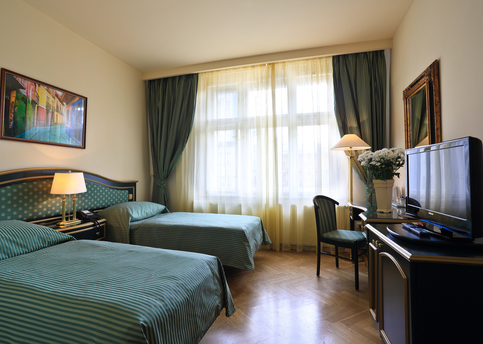 Main hotel elysee double room 01