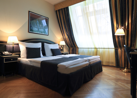 Main hotel elysee double room 04