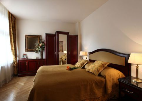 Main elysee apartments bedroom beige 800px
