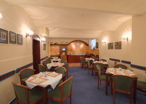 Main hotel marketa breakfast room