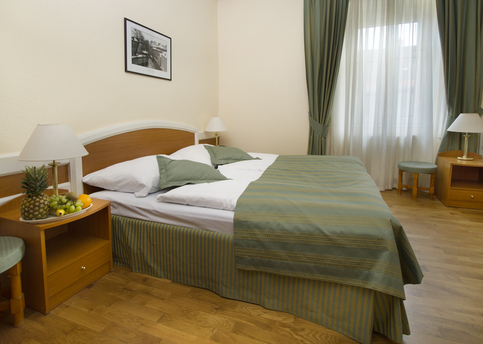 Main hotel marketa double room 04